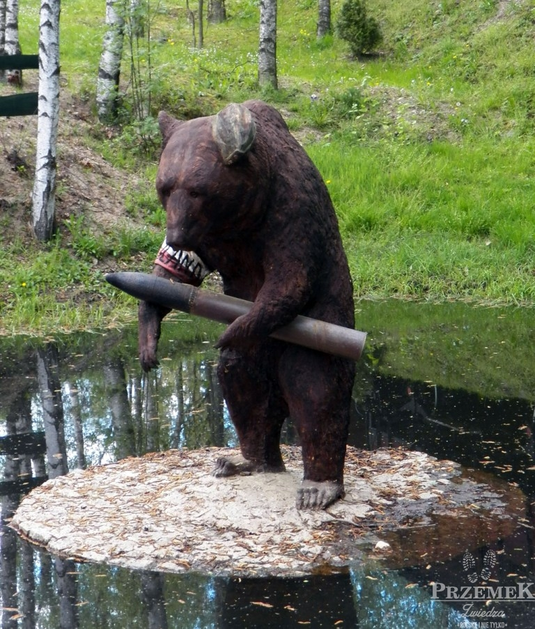 Figura niedźwiedzia Wojtka