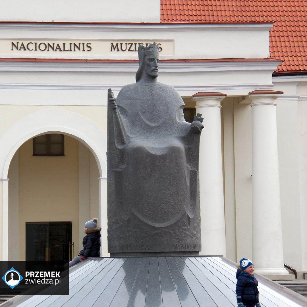 Wilno - Pomnik króla Mendoga