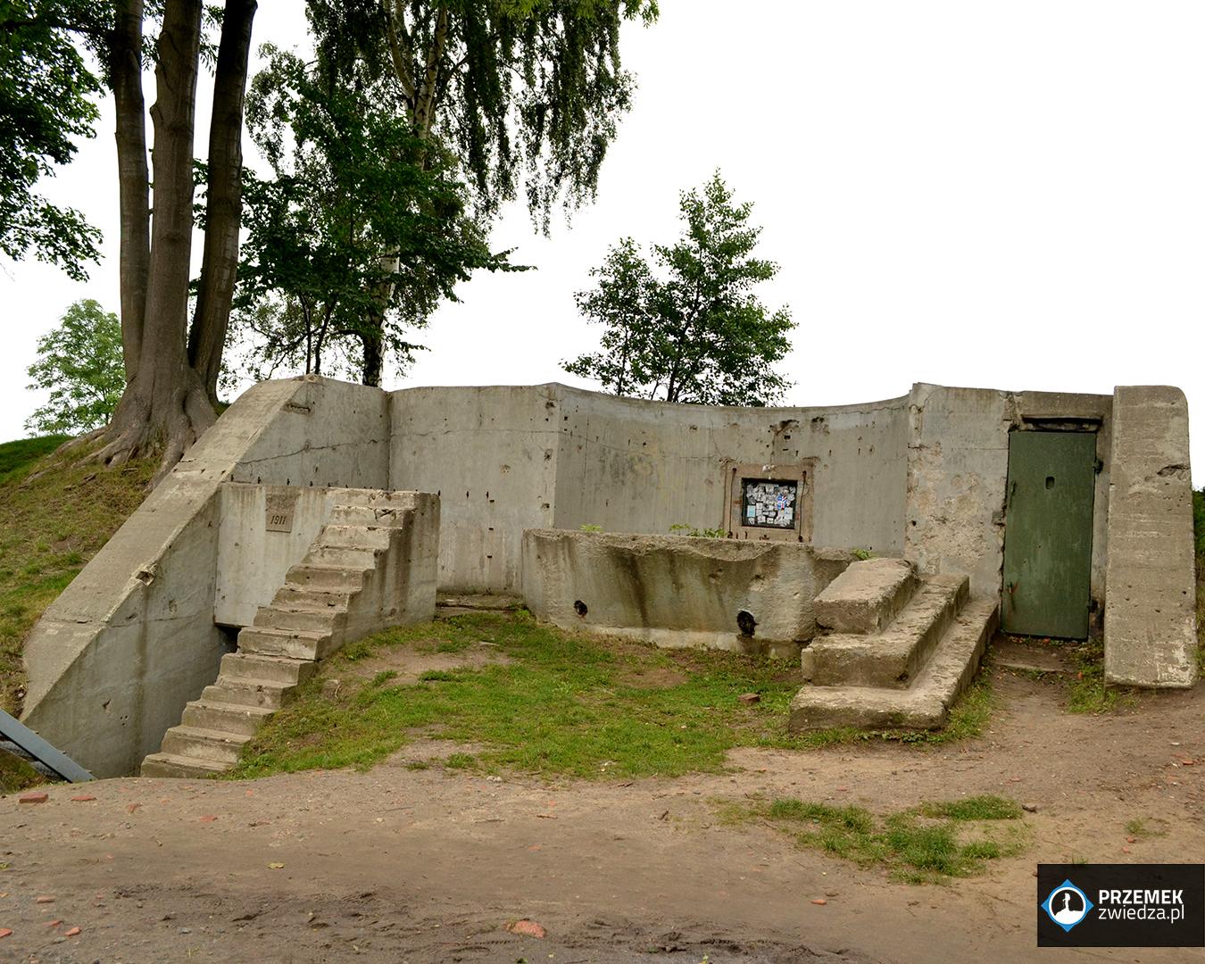 """Placówka """"Fort"""" od strony lądu Westerplatte"""